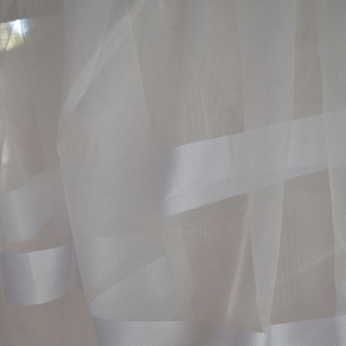 Κουρτίνες έτοιμες ραμμένες οργάντζα λευκό με ρίγες στο τελείωμα λευκές KE 1562 (280X300cm) - με τρέσα