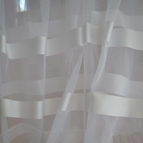 Κουρτίνες έτοιμες ραμμένες με τρουκς οργάντζα λευκό με ρίγες στο τελείωμα μπεζ-χρυσό και λευκό KET684 (280X140cm)